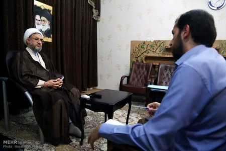 Ayatullah Araki im Interview über Schirazis